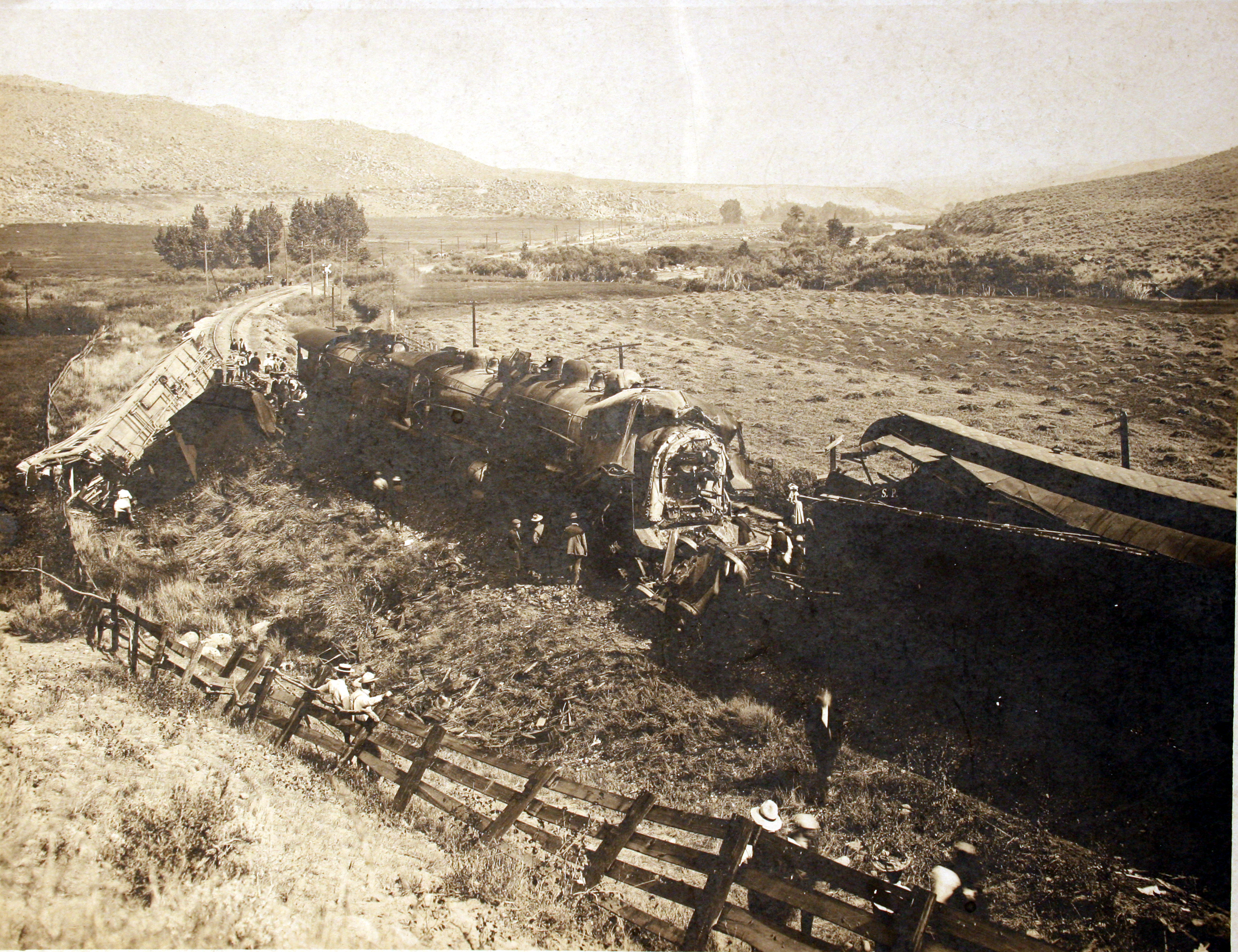 Unknown Old Photo - SP Train Wreck?